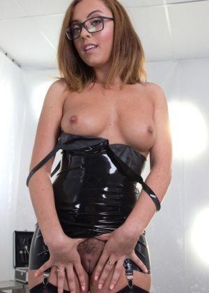 Daisy Ducati, Roxanne Rae - Латекс - Галерея № 3451909