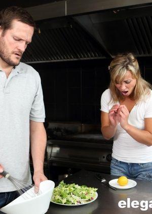 Alysa Gap - На кухне - Галерея № 3434256