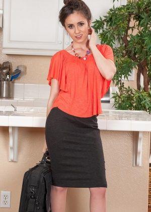 Vianna Lovely - На кухне - Галерея № 3415497