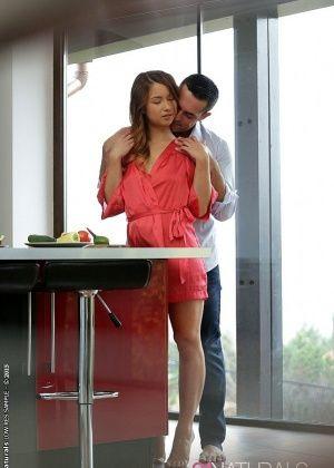 Taylor Sands - На кухне - Галерея № 3455910