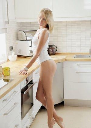 На кухне - Галерея № 3429289