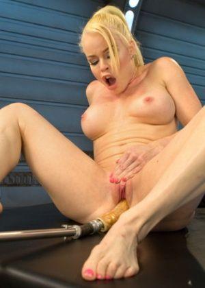 Nikki Delano - Секс машина - Галерея № 3543884