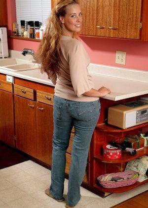 На кухне - Галерея № 2801824