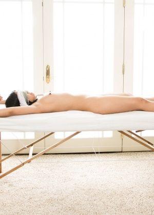 Layla Sin, Cindy Starfall - Массаж - Галерея № 3537541