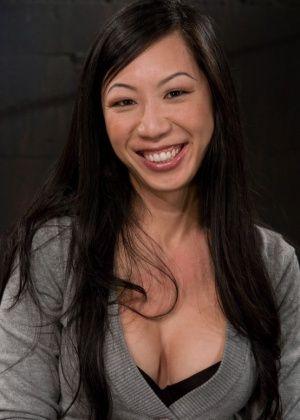 Tia Ling - Секс машина - Галерея № 2761858