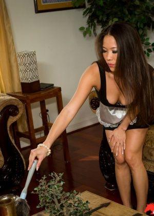 Dani Jensen, Kalina Ryu - Горничные - Галерея № 3432409
