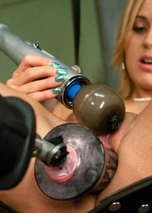 Mae Meyers - Секс машина - Галерея № 3435119