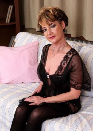 Зрелая женщина - Галерея № 3549788