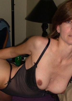 Зрелая женщина - Галерея № 3470386