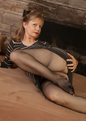 Зрелая женщина - Галерея № 3631967