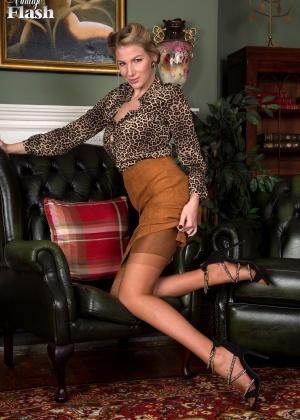 Danielle Maye - В колготках - Галерея № 3526945