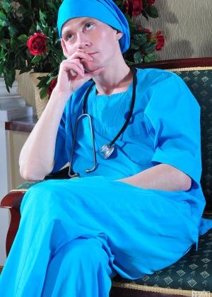 Медсестра - Галерея № 3202741