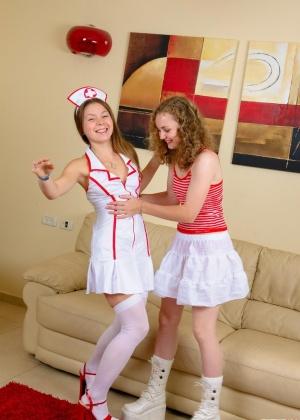 Emily - Медсестра - Галерея № 2553238