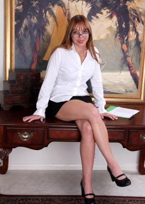 Зрелая женщина - Галерея № 3253925