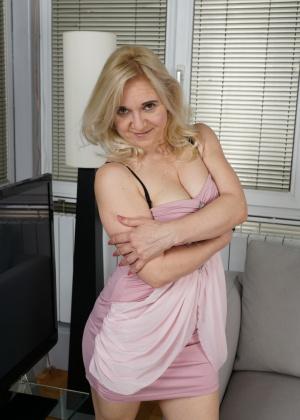 Зрелая женщина - Галерея № 3548801