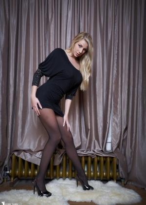 Danielle Maye - В колготках - Галерея № 3529147