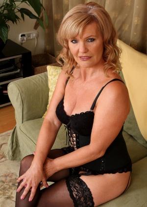 Зрелая женщина - Галерея № 3223898
