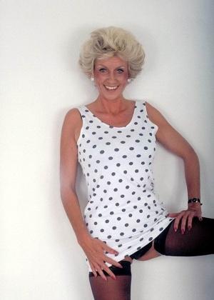 Зрелая женщина - Галерея № 3390782