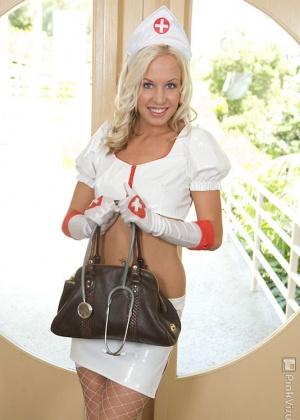 Медсестра - Галерея № 2235008