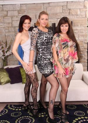 Roxanne Hall, Alexandra Silk, Lya Pink - В колготках - Галерея № 3452772