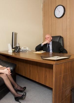 Missy Stone - В офисе - Галерея № 3382090