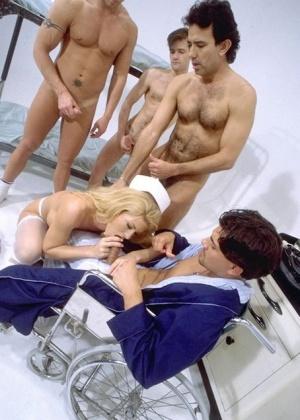 Медсестра - Галерея № 3008959