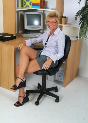 В офисе - Галерея № 2665382