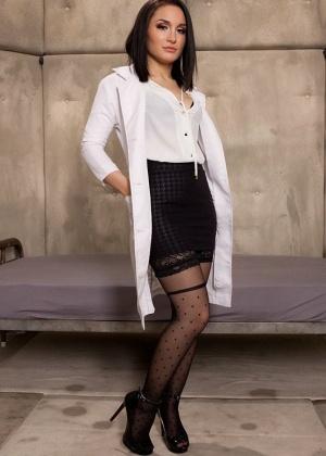 Rob Piper, Gabriella Paltrova - Медсестра - Галерея № 3462553