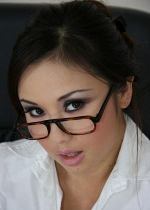 Tia Tanaka - В офисе - Галерея № 3526285