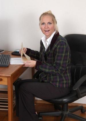 В офисе - Галерея № 2564633