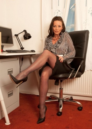 Marlyn Lindsay - В офисе - Галерея № 3529763