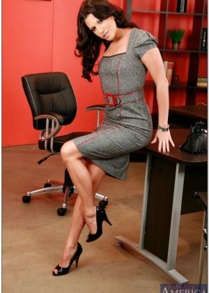 Roxy Deville - В офисе - Галерея № 2213846