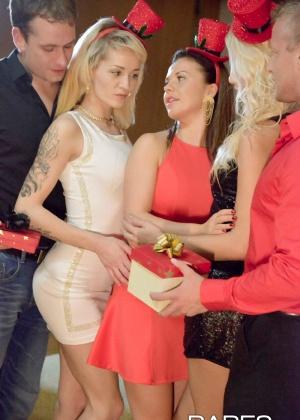 Karol Lilien, Bella Anne, Adele Sunshine - Вечеринка - Галерея № 3442640