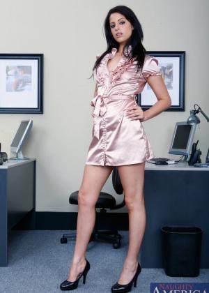Lola Banks - В офисе - Галерея № 2632641