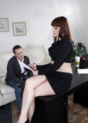 Addie Juniper - В офисе - Галерея № 3525697