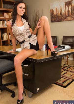 В офисе - Галерея № 3518426
