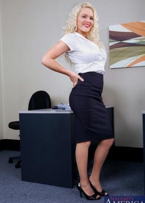 Krissy Lynn - В офисе - Галерея № 2280663