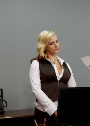 Sarah Vandella - В офисе - Галерея № 3439113