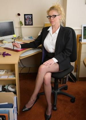 В офисе - Галерея № 2589283