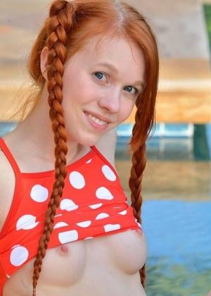 В бассейне - Галерея № 3481095