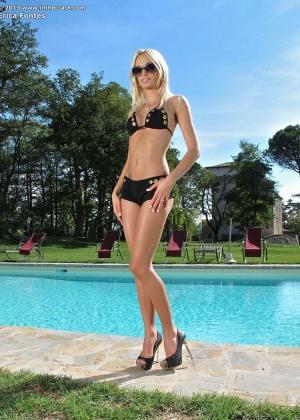 Erica Fontes - В бассейне - Галерея № 3393481