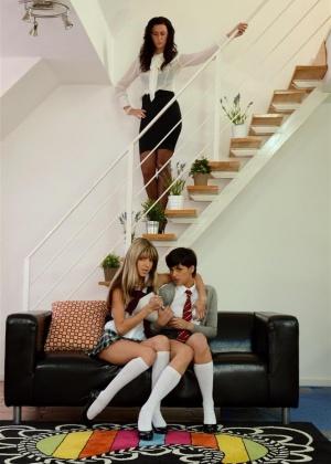 Lara Latex - Лижут жопу (римминг) - Галерея № 3408433