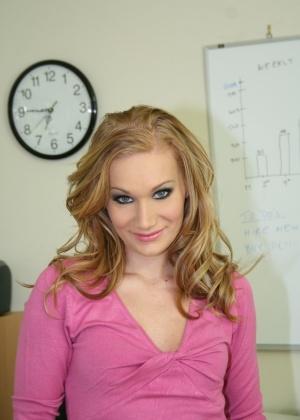 Katie Rae - Секретарша - Галерея № 3404977