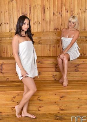 Jasmine Rouge, Aurelly Rebel - В сауне - Галерея № 3432701