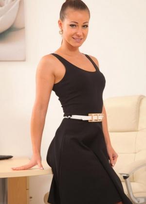 Отличное телосложение у Melisa Mendiny