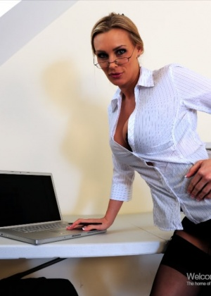 Tanya Tate - Секретарша - Галерея № 2372309