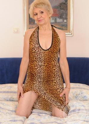Betty, Kati Bell - Лижут жопу (римминг) - Галерея № 2900235