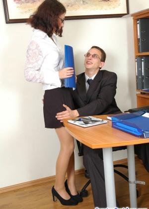 Секретарша - Галерея № 3059935