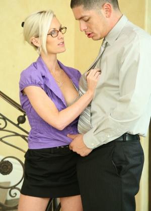 Brandi Edwards - Секретарша - Галерея № 3523101