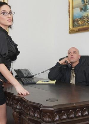 Mindy Main - Секретарша - Галерея № 3526282